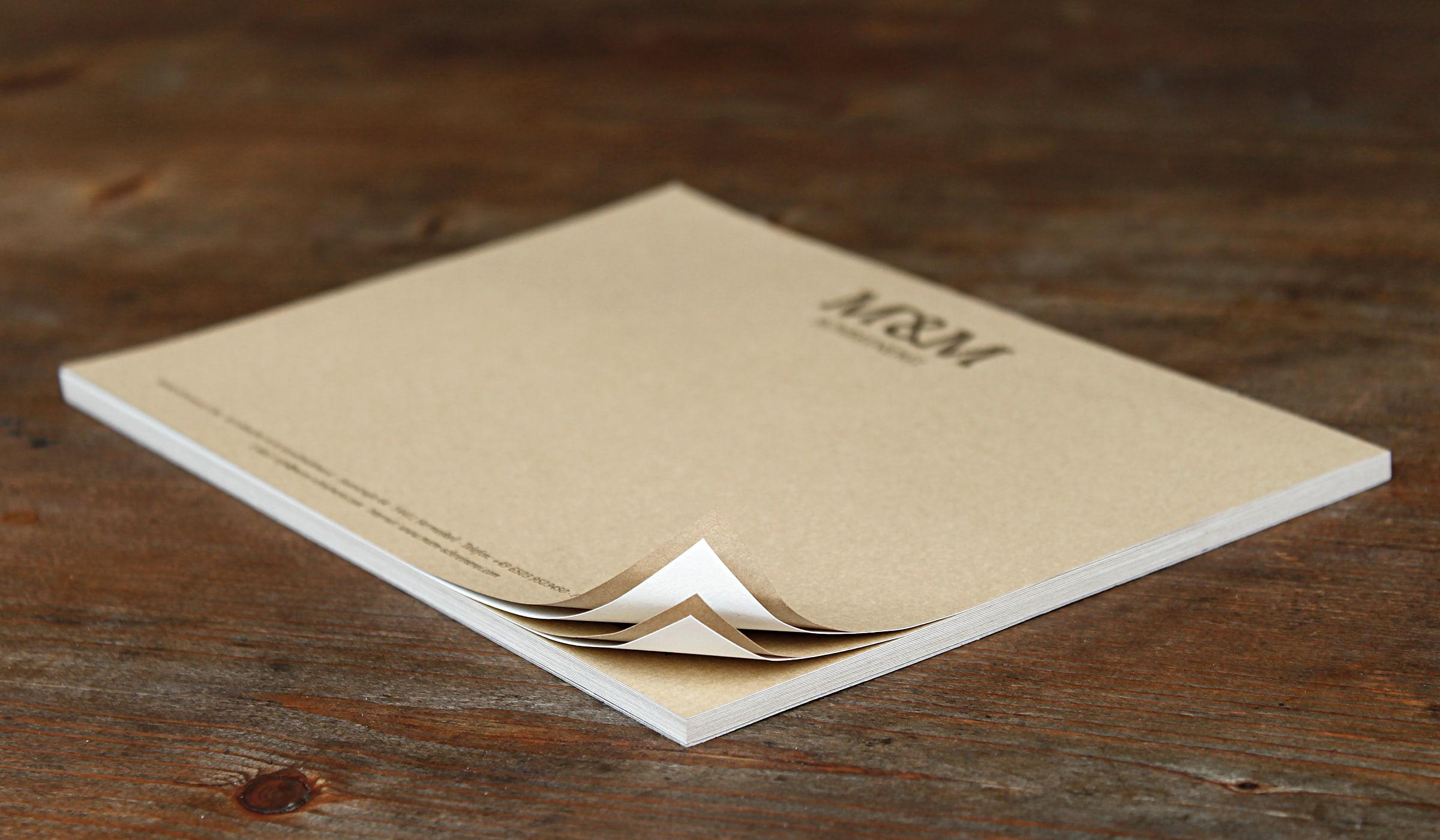 Konzeptarbeit ~ Corporate Design ~ Notizblock // Notizblock aus verschiedenen Naturpapieren // M&M Schreinerei