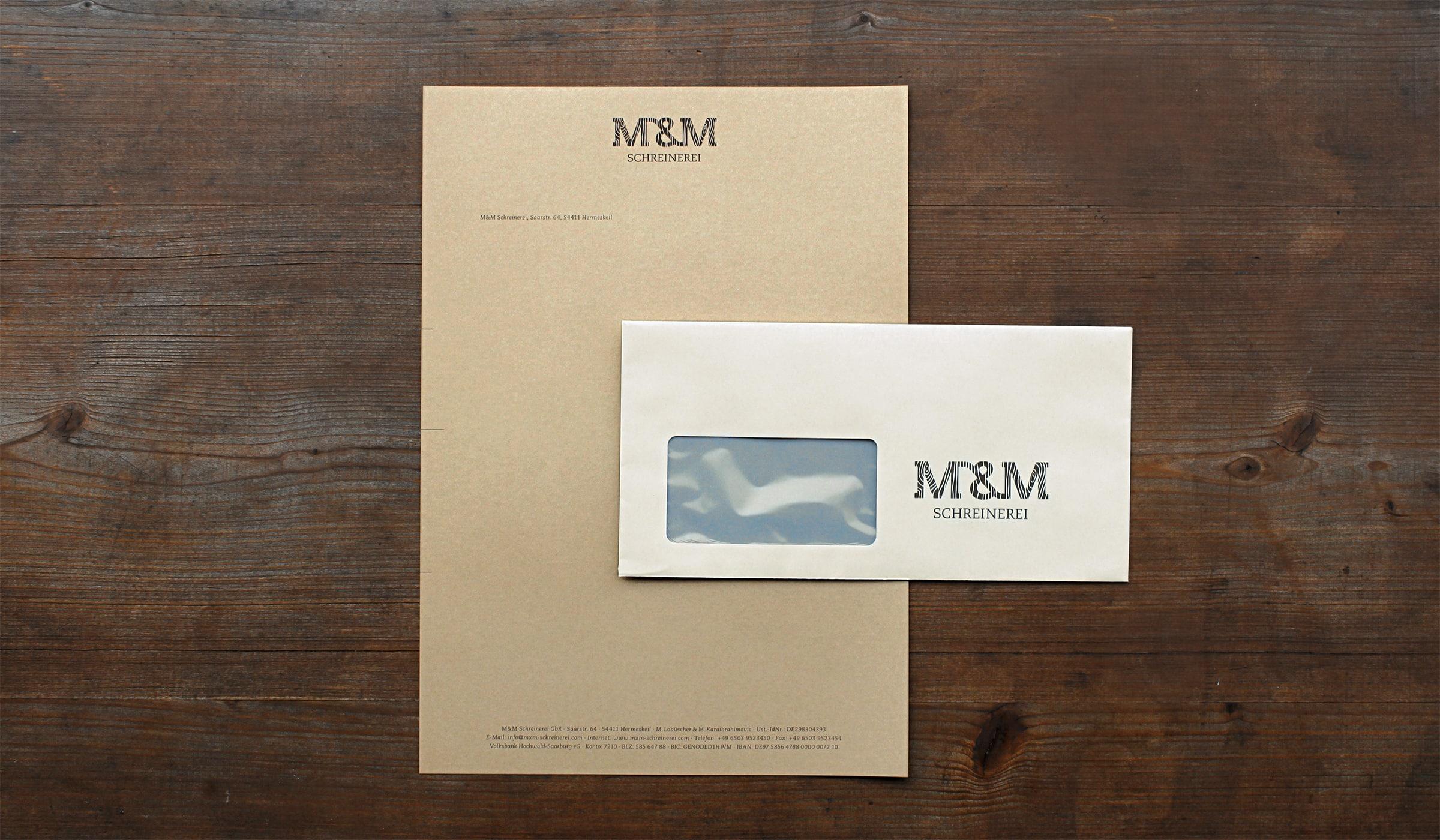 Konzeptarbeit ~ Corporate Design ~ Geschäftspapierausstattung // Geschäftspapierausstattung aus hellem und dunklem Naturpapier // M&M Schreinerei