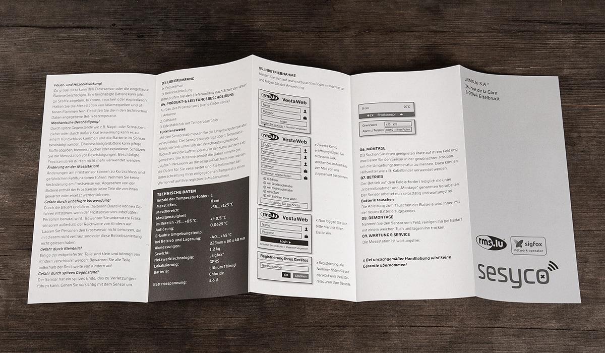 Branding für eine Produktentwicklung aus Luxembourg entwickelt durch die Werbeagentur mieker - Konzept Design Strategie. Bedienungsanleitungen in Form eines Leporellos, gedruckt auf Recyclingpapier. Bestandteile des Branding: Grafikdesign, Brand- und Corporate Design, Packaging Design, Logodesign, Werbemittel und Werbung. Regionen: Luxembourg, Saarbrücken, Trier, Koblenz, Mannheim.