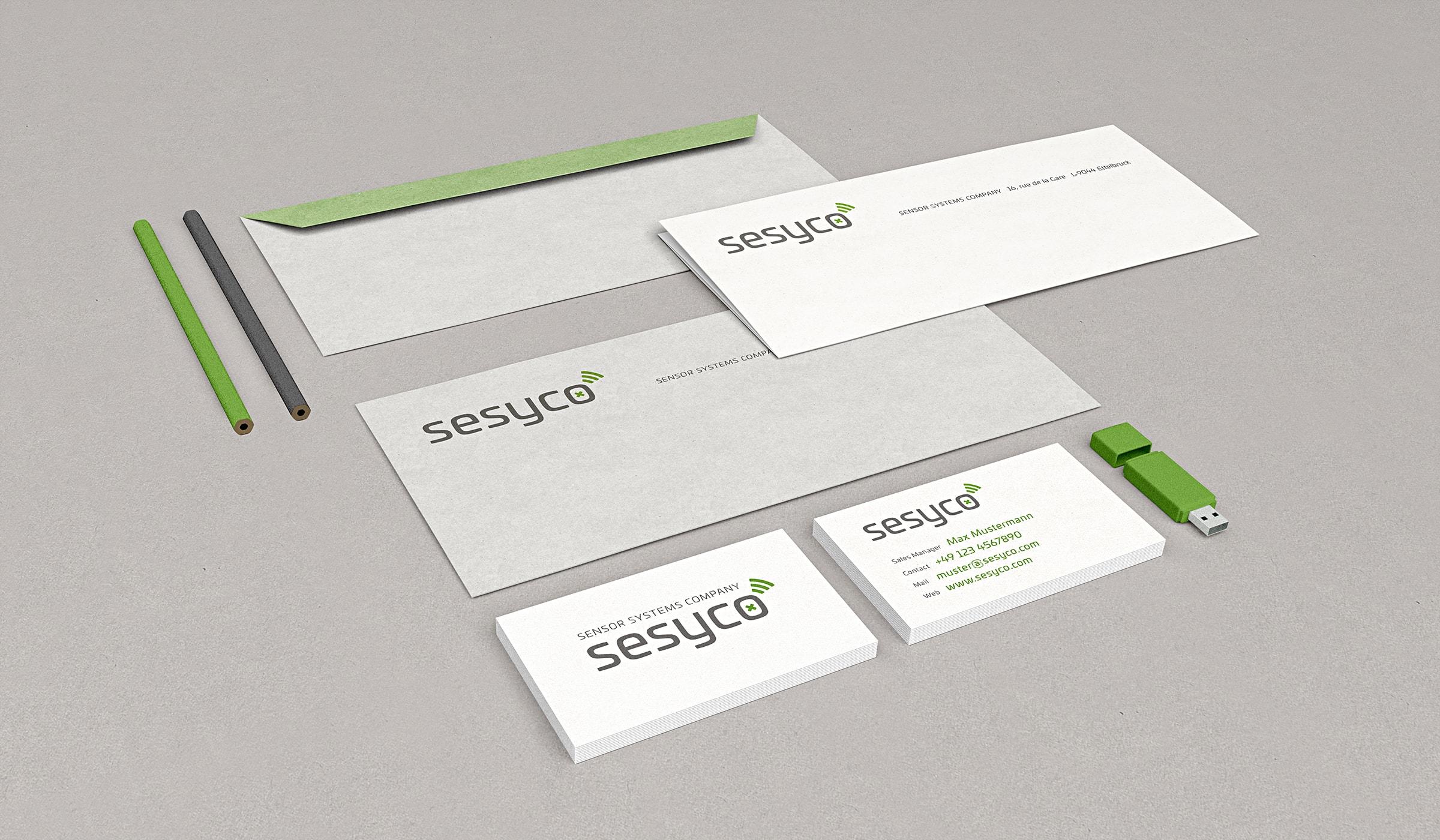 Corporate Design für ein Start-up aus Luxembourg, ein Bestandteil des Branding entwickelt durch die Designagentur mieker - Konzept Design Strategie. Der Identität und dem Designkonzept folgend, besteht die Geschäftspapierausstattung aus 100% Altpapier zertifiziert durch den Blauen Engel. Das Corporate Design setzt sich aus Visitenkarten, Briefpapier und Briefumschlägen zusammen. Bestandteile des Branding: Kommunikationsdesign, Brand- und Corporate Design, Packaging Design, Logodesign, Werbemittel und Werbung. Regionen: Luxembourg, Saarbrücken, Trier, Koblenz, Mannheim